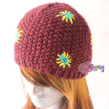 14.16.H: red star bulky hat<br><font color=&quot;red&quot;>Best Value!</font>