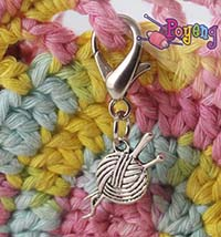 St marker lobster silver tone:<br>yarn with needle