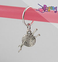 St marker ring silver tone:<br>yarn with needle