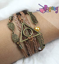 Harry Potter memorabilia: gelang<br> deathly hallows, owl, snitch