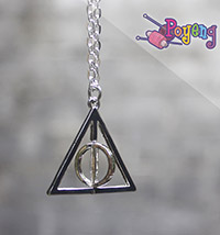 Harry Potter memorabilia: Kalung Deathly Hallows (76.2cm)