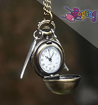 Harry Potter memorabilia: Jam Kalung Snitch