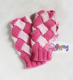 15.03.G-Fingerless Entrelac in Pink